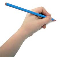 Pisición mano niño zurdo coger lápiz