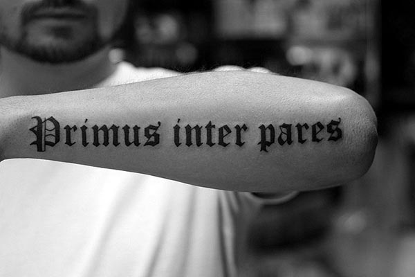 Caligrafía gótica para tatuajes